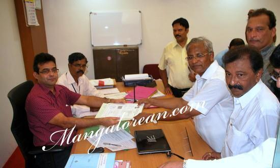 Mangalore J R Lobo of Congress-Accompanied by Supporters files Nomination