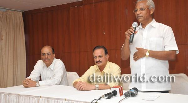Mangalore J R Lobo addresses doctors, engineers, points out BJP's failings