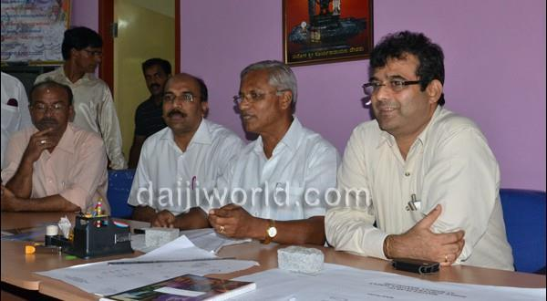 Mlore J R Lobo presides over discussion meet on development work