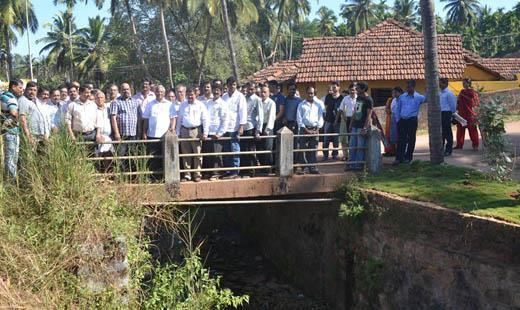 MLA J R Lobo assures Pumpwell residents to solve road and Bus Stand issue