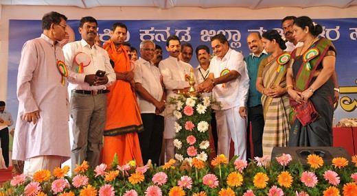 Mangalore Minister Rai inaugurates Madivala Convention at Nehru Maidan