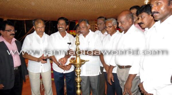 Minister Jain inaugurates Gemini Circus in city