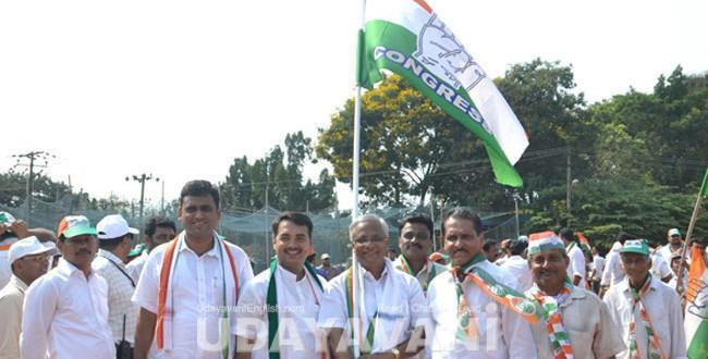 Mangalore Poojary's campaign ends on a high note at Urwa market