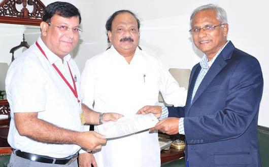 Kuwait-Mangalore flight: Lobo, Baig meet Air India MD, aviation minister