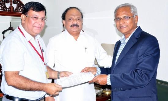 Mangalore: JR Lobo, minister Baig meet Air India MD and Civil minister; urge to restart Kuwait-Mangalore direct flight