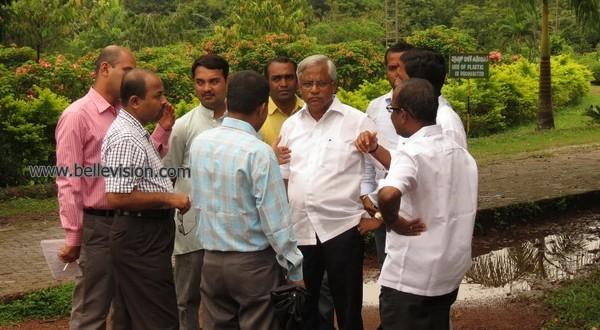 M'lore: MLA J R Lobo instructs horticulture dept to clear wild vegetation at Kadri Park