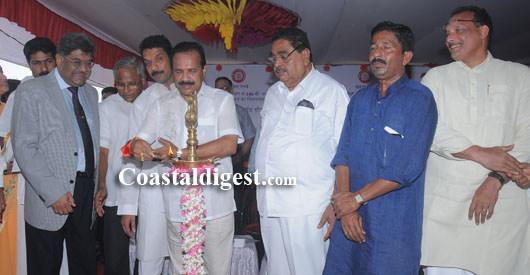 Sadananda Gowda lays foundation for Padil-Bajal under-bridge
