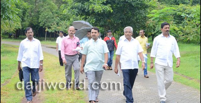 Mangalore: Daijiworld impact - J R Lobo inspects Kadri Park, promises to set it right in a week