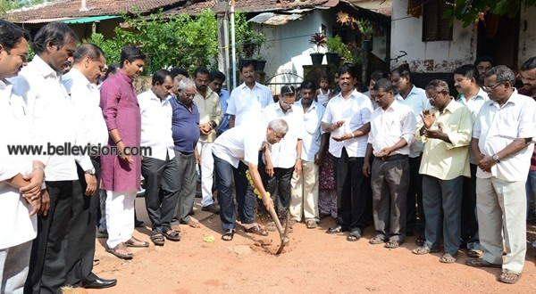 M'lore: MLA J R Lobo lays foundation for various road development works @ Rs 2.31 crore