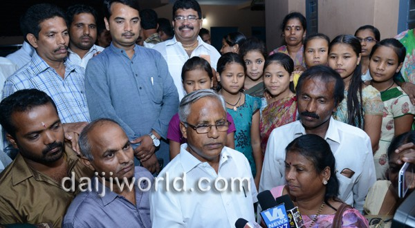 Mangalore: J R Lobo celebrates Diwali with ashram kids
