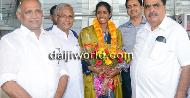 Mangalore: Golden girl Poovamma gets rousing welcome