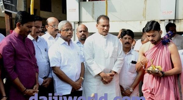 Mangaluru: 'Road' politics mar as Bunts Hostel – Jyothi concrete work begins