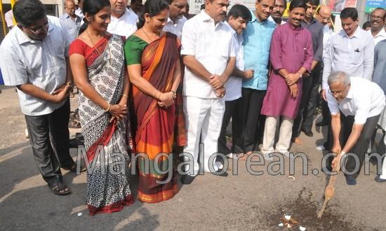 Mangalore: Row over Erection of Hoarding marks Guddali Puja for Bunts hostel Road
