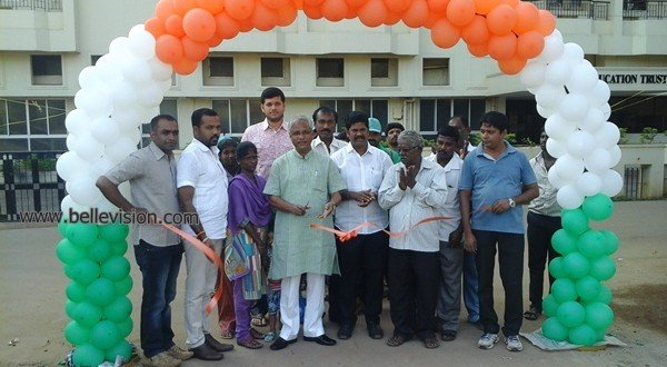 M'luru: MLA J R Lobo inaugurated concreted road at Vivek Nagar