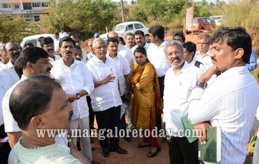 MCC commissioner inspects spot at Pumpwell for constructing modernized bus stand.