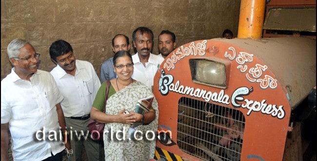 Mangaluru: J R Lobo inspects Kadri Park; toy train to be reinstalled