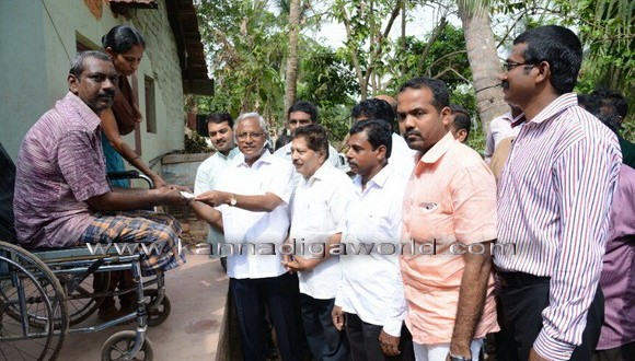 MLA JR Lobo gives cheque bearing Rs 70,000 to renovate collapsed house at Maroli