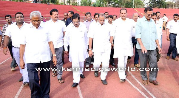 Preparations for national level Athletics Federation Cup – KPCC president Parameshwar inspects Mangala Stadium