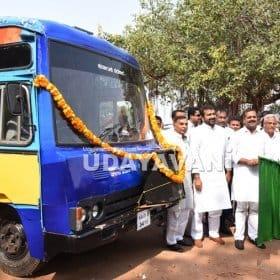 Revenue Minister launches caste census vehicle