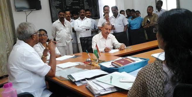 Mangaluru: MLA J R Lobo visits district Wenlock Hospital