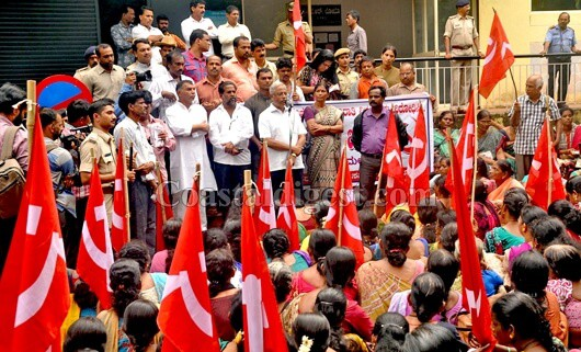 Housing sites for the poor: Protesters ask JR Lobo to fulfill his poll promise