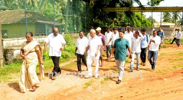 MLA J R Lobo Inspects Bengre breakwater project