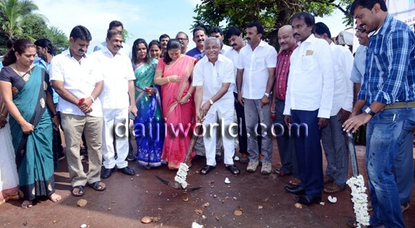 Foundation stone laid for concrete road at Padua High School