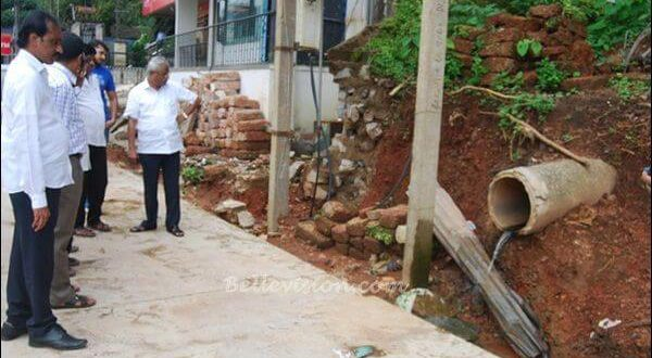 Mangaluru: MLA J R Lobo reviews ongoing concreting-road work at Balmatta