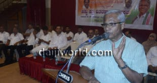 Mangaluru: MLA Lobo distributes title deeds to 400 families at Bendorwell