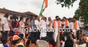 Mangaluru South Congress candidate J R Lobo takes out huge Padayatra in Carstreet